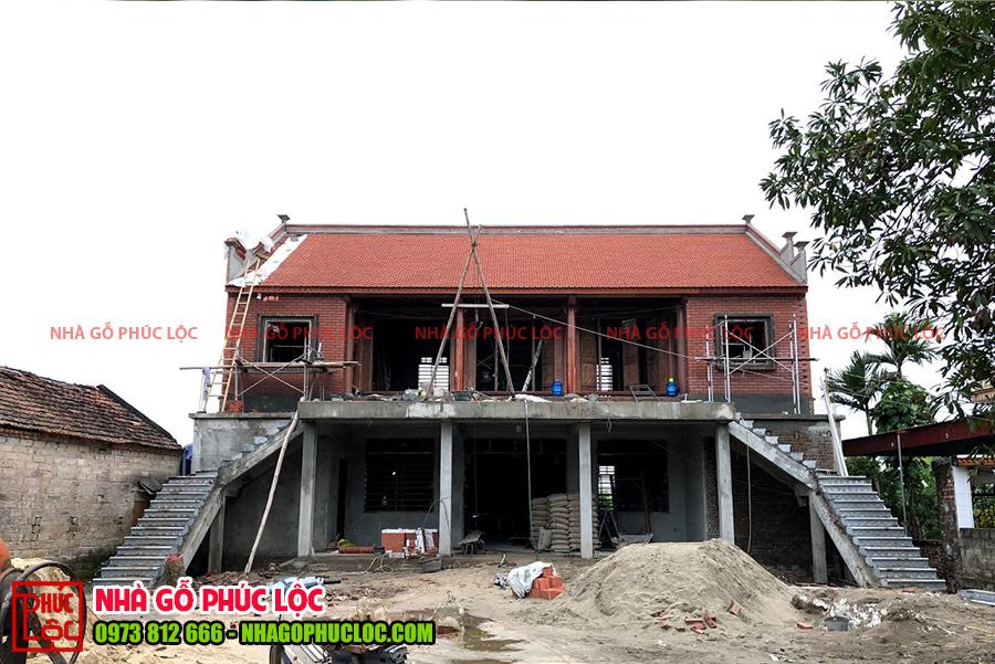 Tổng thể căn nhà gỗ lim 5 gian trên tầng 2